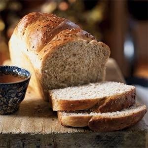 http://knowinglyundersold.files.wordpress.com/2008/08/wheat-bread-ck-1545807-l.jpg